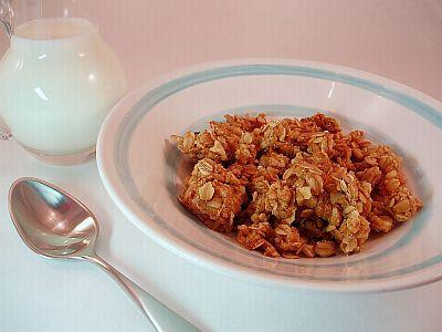 The BEST Homemade Granola!